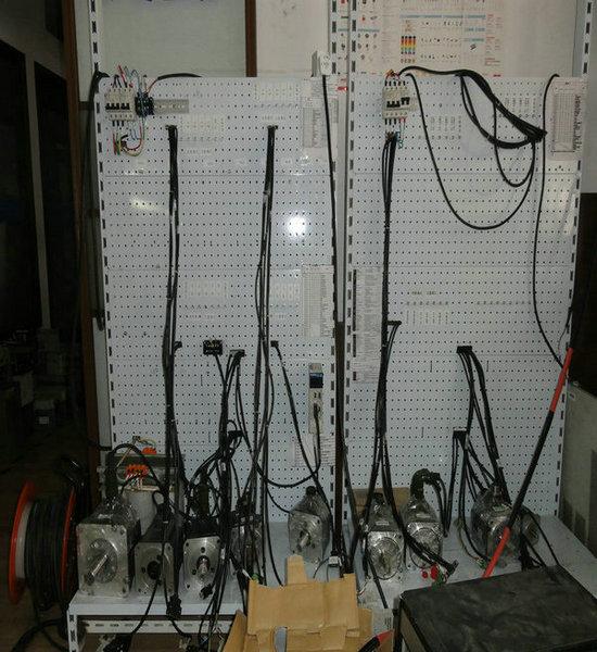 三菱伺服驱动器维修测试系统的建立
